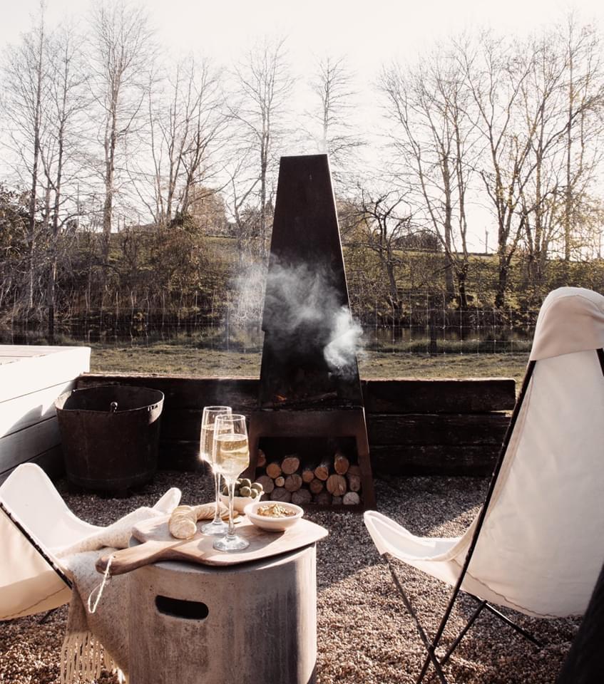 The round tent raglan glamping fireplace