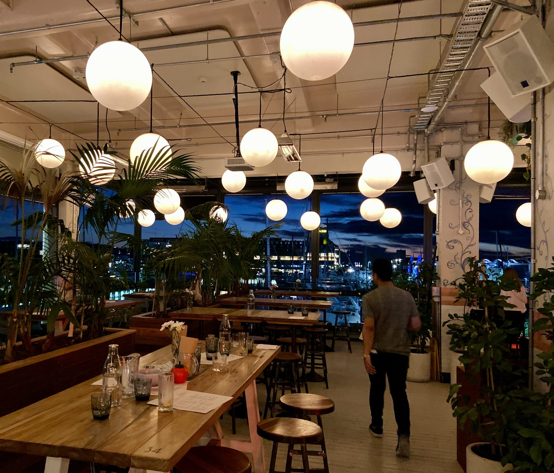Saint Alice Tables - Viaduct Harbour (Auckland) - Where To Go