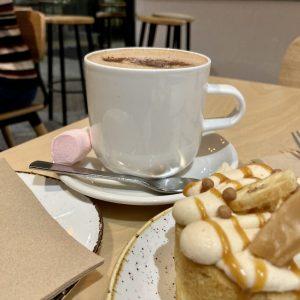 House of Chocolate Takapuna - Hot Chocolate & Banofi treat